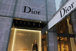 dior-489501_1280-min